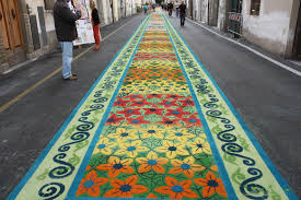 Foto dei tappeti di segatura Corpus Domini Camaiore - Hotel Sirio 3 stelle a Lido di Camaiore in Versilia, Toscana