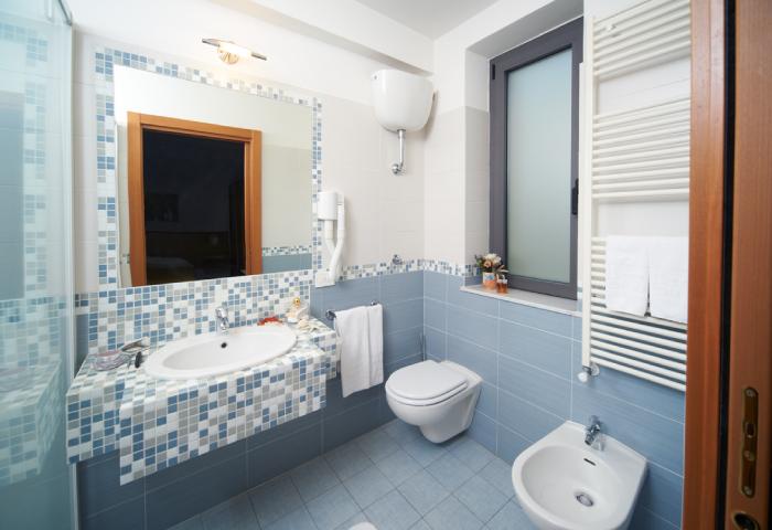 Foto bagno camera matrimoniale - Hotel Sirio a Lido di Camaiore in Versilia, Toscana