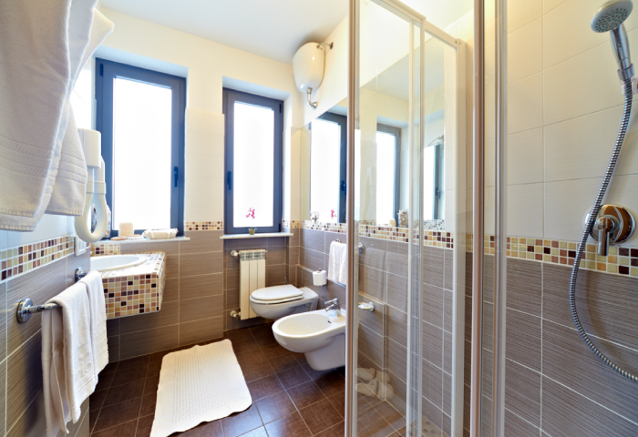 Foto bagno camera quadrupla - Hotel Sirio a Lido di Camaiore in Versilia, Toscana