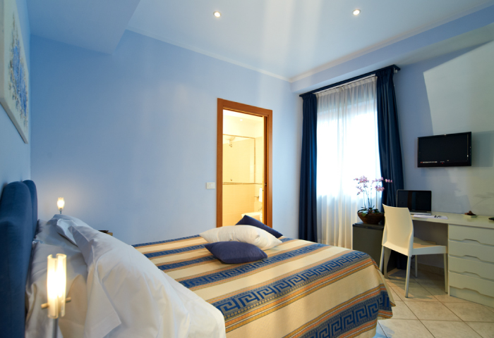 Foto camera matrimoniale - Hotel Sirio a Lido di Camaiore in Versilia, Toscana