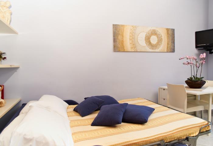Foto soggiorno appartamento bilocale con divano letto - Hotel Sirio a Lido di Camaiore in Versilia, Toscana